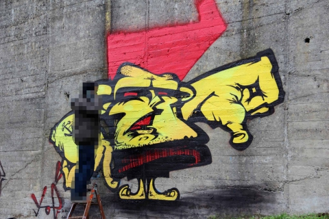 Graffiti yellow character Yoe